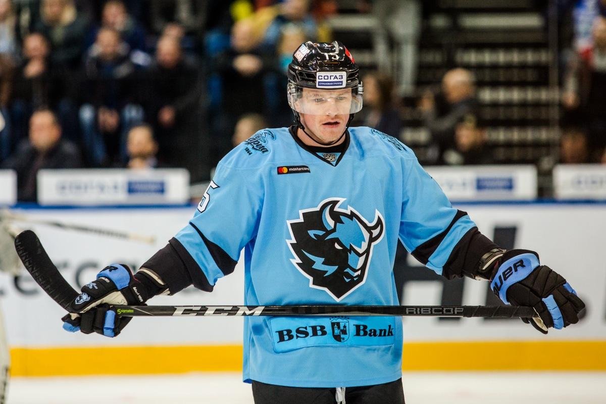 Артем Демков и Владислав Кодола включены в топ-10 хоккеистов, которые удивили на старте сезона