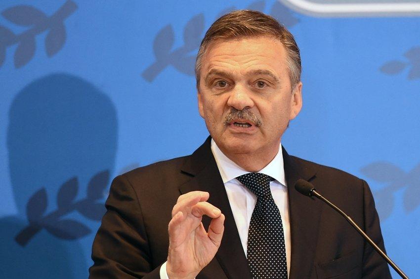 Рене Фазель заявил, что в ИИХФ не спешат отменять чемпионат мира